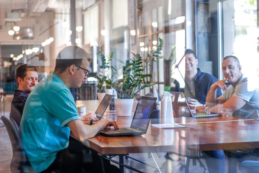 Web dizajn agencija sajtic - timski sastanak